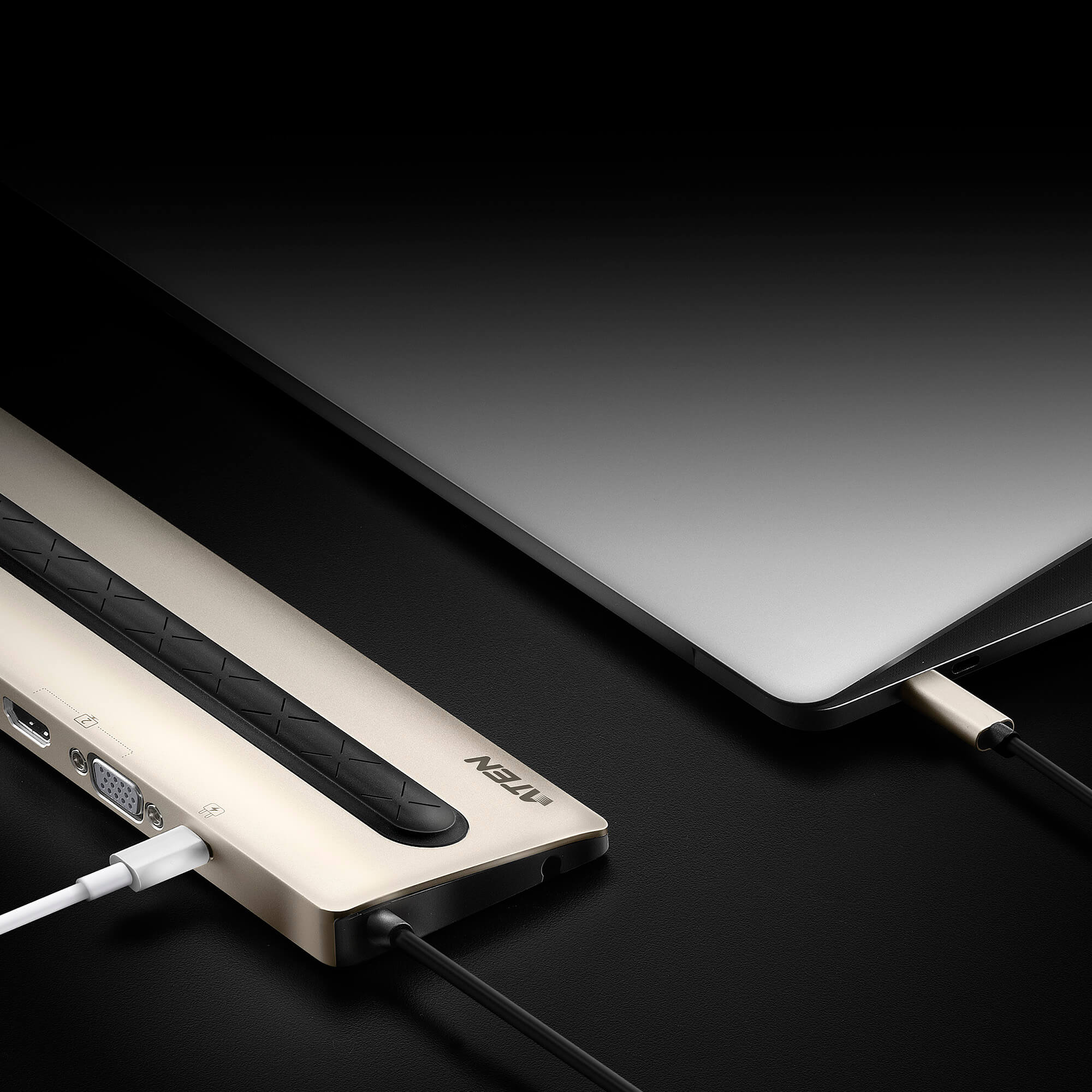 Wieloportowa stacja dokująca USB-C z Power Pass-Through-8