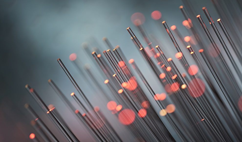 Four Key Benefits of Fiber Optic Transmission